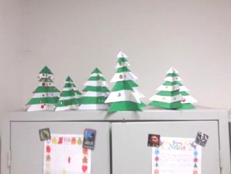 Lavoretti Di Natale Per Addobbare L Aula.Decori E Addobbi Per L Aula Scolastica Cartelloni Scritte